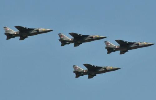 Војни авиони изнад Ниша
