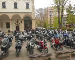 Do sada neviđene slike: Porta Saborne crkve puna bajkera na komemoraciji preminulog Saše Savića