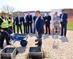 Dačić položio kamen temeljac za izgradnju stanova za izbeglice u Prokuplju
