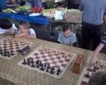 Lep gest Tržnice: Šahovski turnir za gluvu i nagluvu decu, pored lepote mirisa i ukusa domaćih proizvoda na Tvrđavskoj pijaci
