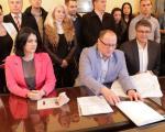 Niški naprednjaci na čelu sa Draganom Sotirovski predali listu za izbore u Nišu