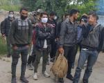 Otkriven kamion pun migranata na parkingu firme u Vranju