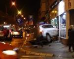 """Возило """"интервентне""""  улетело у продавницу, има повређених (ФОТО)"""
