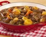 Стари рецепти југа Србије: Гулаш са месом и печуркама