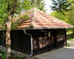 Prolom Banja: Crkva brvnara Lazarica