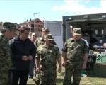 Лекари Војне болнице збрињавају мигранте у Прешеву