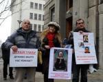 Враћене лиценце наставницима који су штрајковали глађу
