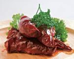 Стари рецепти југа Србије: Класичне, нишке пуњене суве паприке