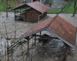 Поплаве харају: Евакуисано 383 људи
