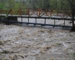 Опасност: Вода није за пиће у поплављеним подручјима