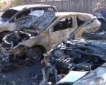 """Ауто-пиромани поново на делу: Изгорео """"фолксваген поло"""" у Нишу, уништена још два аутомобила (ВИДЕО)"""