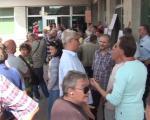 Stanari ispred Skupštine blokirali odbornike: Odluka usvojena