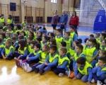 Revija i poklon školskih uniformi za prvake u najvećoj niškoj opštini