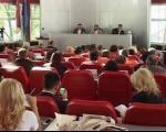 Sednica bez TV prenosa, krivične prijave, pogrešno knjiženje, protesti ispred Skupštine
