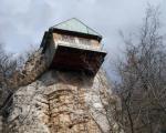 Кућица на стени крај Беле Паланке јединствена у Србији