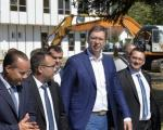 Predsednik Aleksandar Vučić obišao fabriku Teklas u Vladičinom Hanu