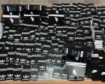 "Zaplenjene ""adidas"" i ""najk"" etikete spremne za ""fejk"" garderobu i patike"