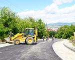 Stanovnici Ulice Zdravke Vučković na Paliluli dočekali asfalt