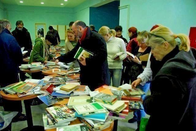 "Sutra ""Svetosavski književni antikvarijat"", razmena knjiga u NKC-u"