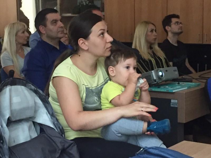 Predavanje u najvećoj niškoj opštini: Prvi koraci, kako beba oseća