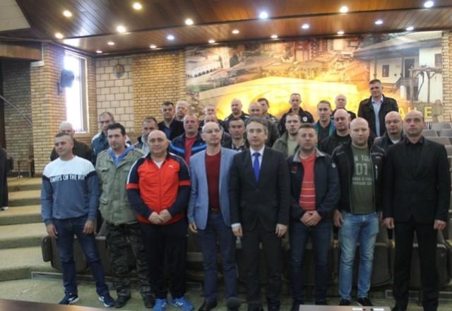 У част преданости и херојства бораца за одбрану земље током НАТО агресије