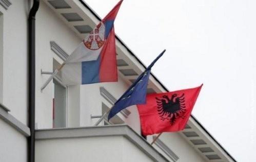Istaknute zastave na zgradi opštine u Bujanovcu