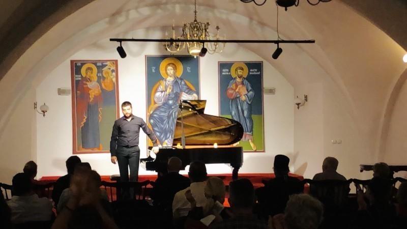 Нишки пијаниста Андреј Цинцаревић побрао симпатије београдске публике