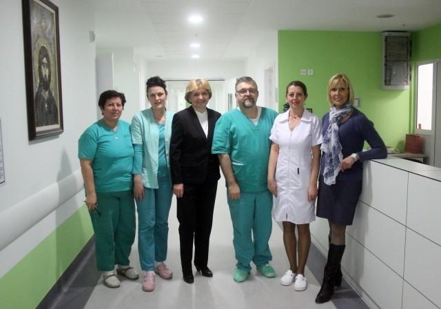 Велики стручњак и хуманиста проф. др Даница Грујичић посетила Клинички центар Ниш