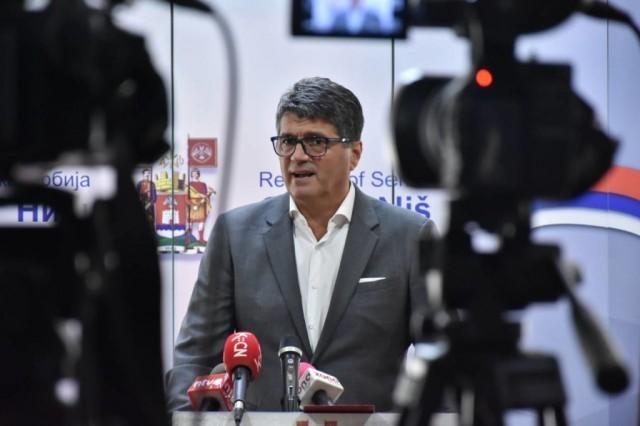 """У наредна два месеца долазак Вучића у Ниш и почетак рада фабрика """"Ими"""" и """"Цумтобел"""""""