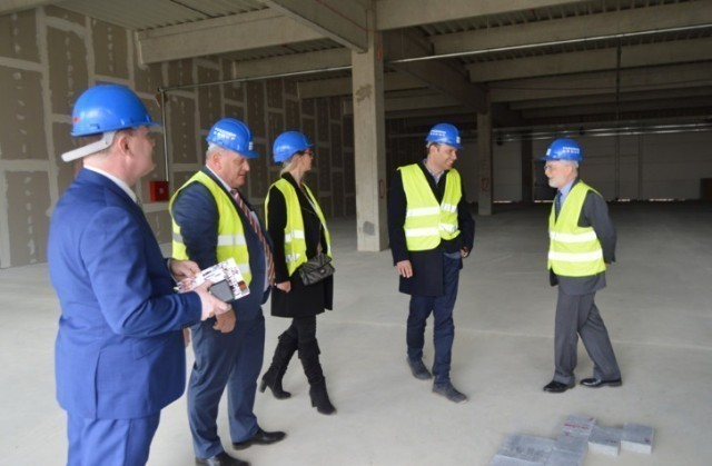 Амбасадор Денис Киф обишао британске инвестиције у Лесковцу