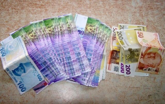 """Puni džepovi neprijavljenih """"švajcaraca"""""""
