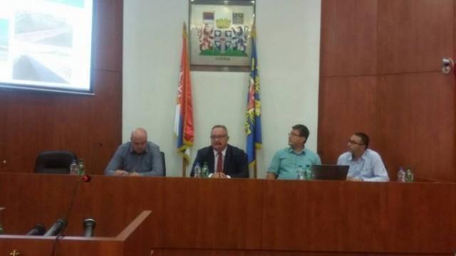Пред почетак школске године, Цветановић се састао са директорима лесковачких школа