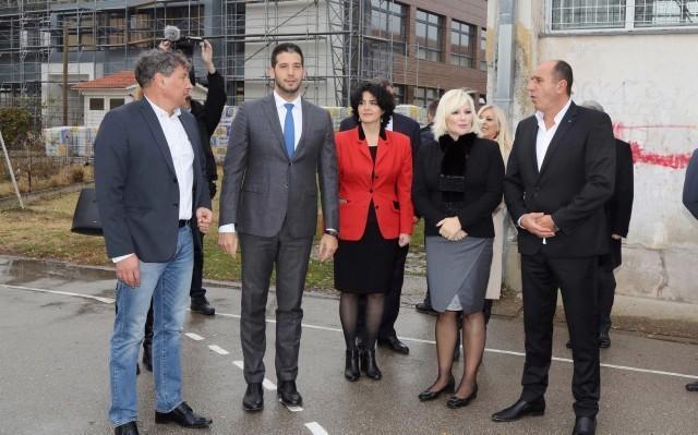 Zorana i Vanja obišli Doljevac: Ulaganje u infrastrukturu za bolji život građana