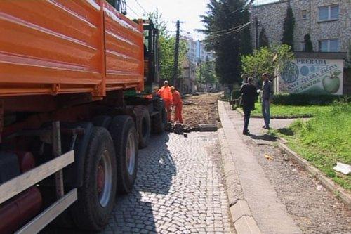 Асфалтирање улица у Нишу