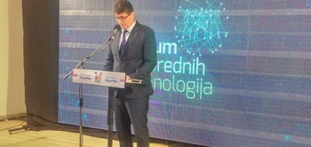 Oтворен 3. Форум напредних технологиja