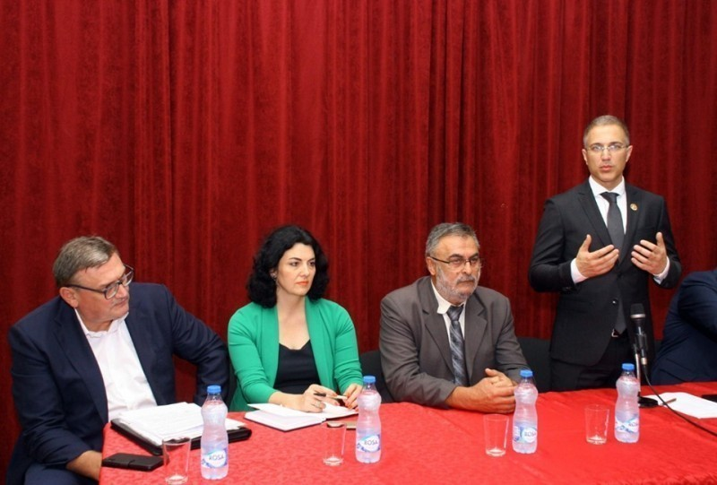 Nakon Niša, ministar Stefanović obišao opštine u Nišavskom okrugu