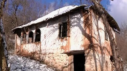 Плач бебе у селу Калетинац чује се после две и по деценије