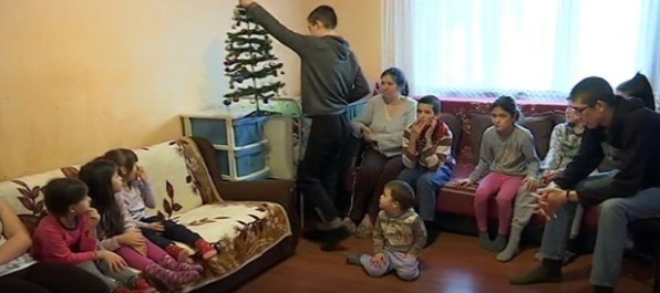 Vladičin Han: Porodica sa desetoro dece (VIDEO)