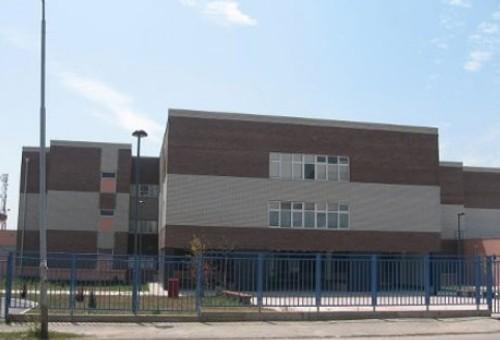 Nakon skoka kroz prozor učionice, učenik iz Vranja smešten na psihijatriju