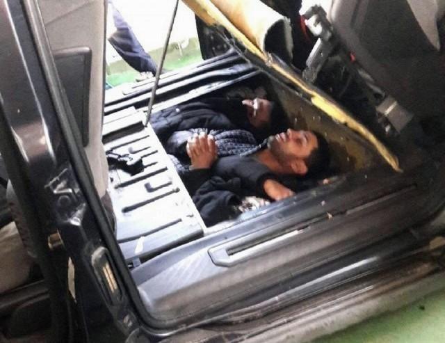 """На прелазу Градина откривени мигранти """"спаковани"""" у поду аутомобила"""