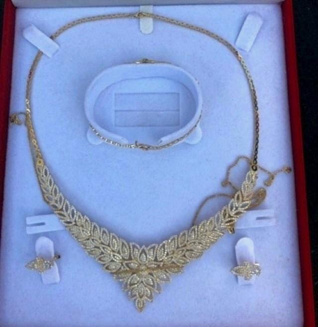 Францускиња албанског порекла шверцовала злато и цигарете