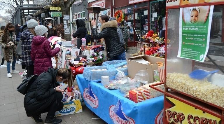 У Прокупљу одржан хуманитарни базар за Анику, Мињу и Оливера