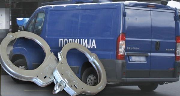 Хапшење због претње убиством и паљењем куће