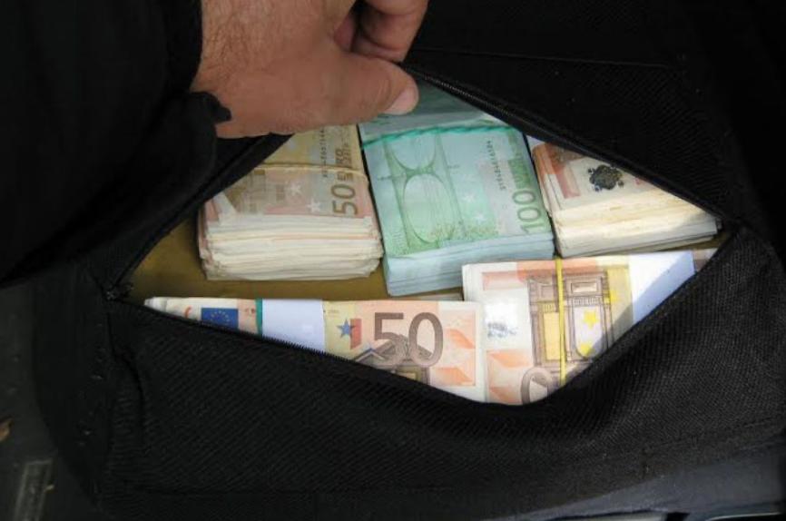 Нишлија пронашао 50.000 евра, заузврат добио загрљај