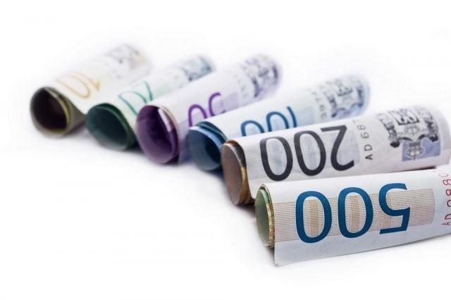 Veliki priliv deviza jača dinar