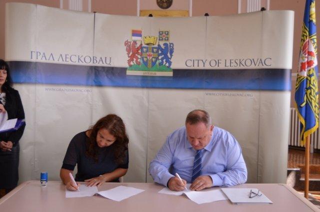 Лесковац: Стижу донације за унапређење наставе деце са сметњама у развоју