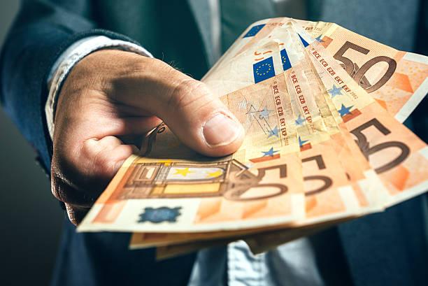 Finansijsko rešenje ovde, pomažemo kod svih vrsta kredita.