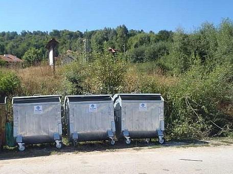 Постављени нови контејнери на Власинском језеру
