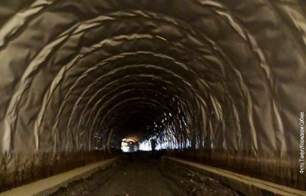 Пробијен најдужи тунел на Коридору 10, Манајле код Владичиног Хана