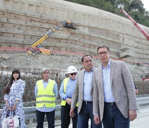 Vučić u Grdeličkoj klisuri: Rušenje brda, pre svega radi bezbednosti novog auto-puta